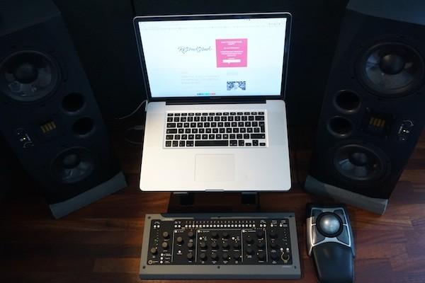 Macbook Pro & Console 1
